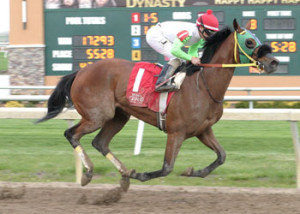 Lady Fog Horn wins her 2016 debut at Indiana Grand (Photo by Linscott Photography)
